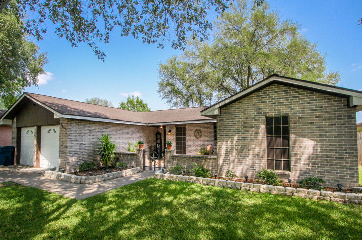 1651 Cherrydown, Three Rivers, Texas 78071