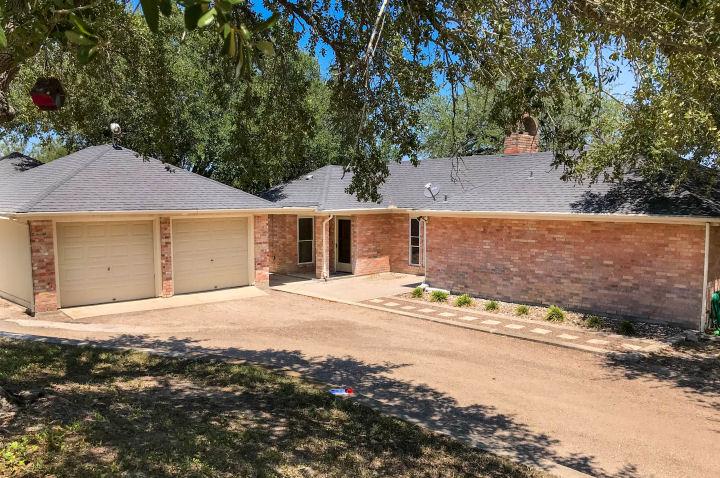 122 CR 308, George West, Texas 78022