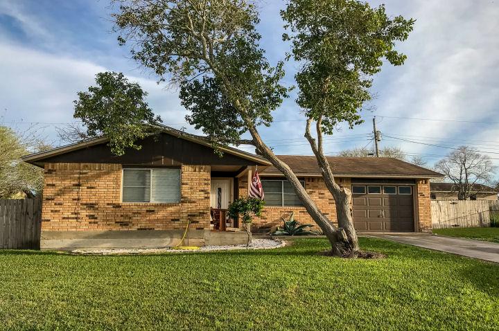 1313 Teto St., George West, Texas 78022