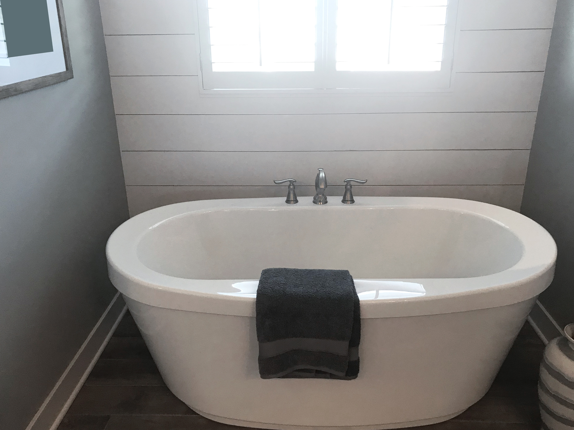 ranch-style bathtub
